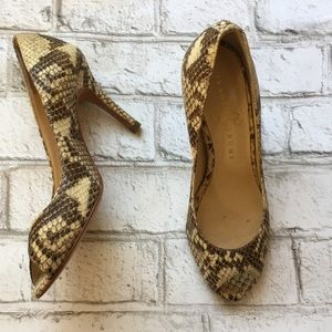 Iván la Trump snake skin heels
